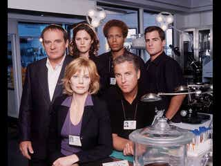 20周年を記念して『CSI:科学捜査班』の続編が製作?! オリジナルキャストがカムバック?!