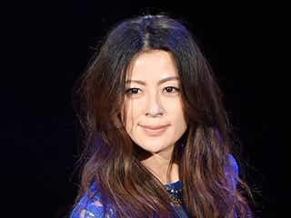 モデル田波涼子、レースワンピでほんのり肌見せ