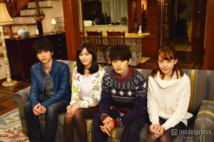 モデルプレスのインタビューに応じた、ドラマ「ロストデイズ」キャスト陣(左から:吉沢亮、石橋杏奈、瀬戸康史、トリンドル玲奈)