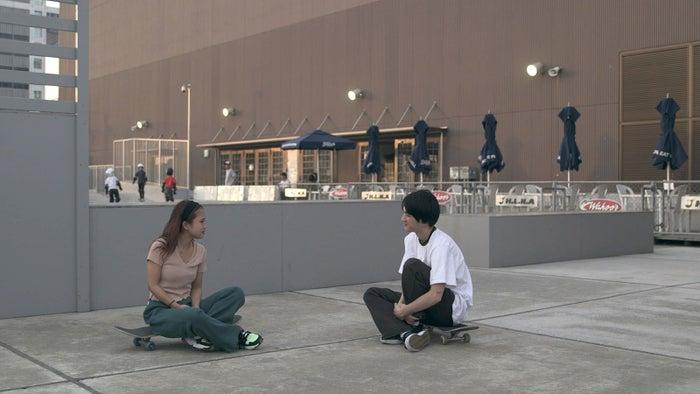 莉咲子、流佳「TERRACE HOUSE TOKYO 2019-2020」8th WEEK(C)フジテレビ/イースト・エンタテインメント