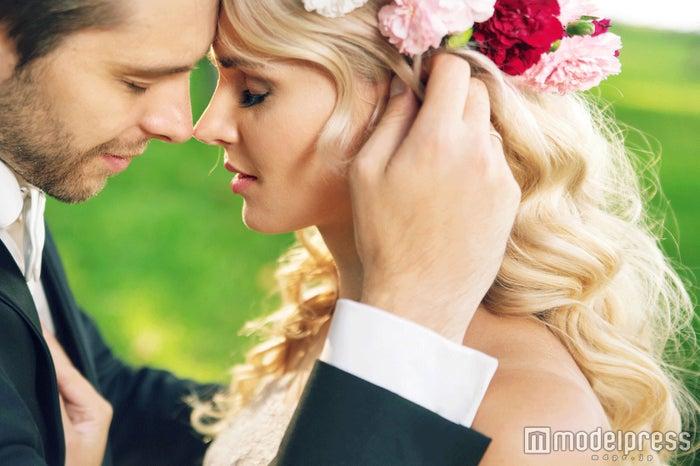 結婚を意識させるために行動して(Photo-by-konradbak/Fotolia)
