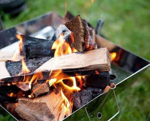 火起こしの方法を解説|初心者向け簡単手順と必須道具、焚き火術