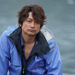 無精ヒゲ×ノーメイクで撮影に挑んだ香取慎吾(C)2018「凪待ち」FILM PARTNERS