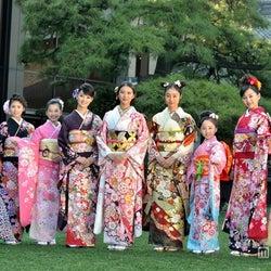 武井咲、剛力彩芽らオスカー美女が艶やか晴れ着姿で集結