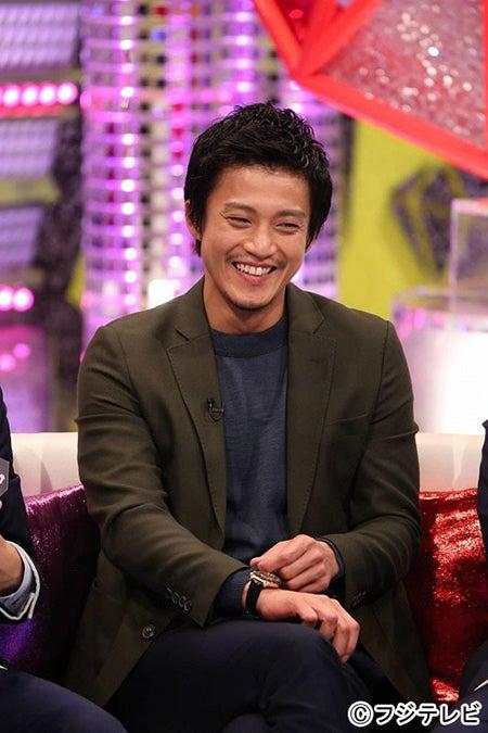 フジテレビ系バラエティ番組『キスマイBUSAIKU!?』に出演する小栗旬(画像提供:フジテレビ)