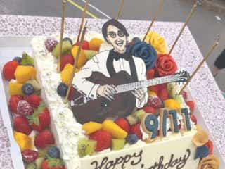"""関ジャニ∞安田章大にそっくりな""""誕生日ケーキ""""に反響 福士誠治が公開「本当に素敵な男」"""