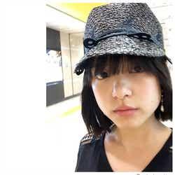 モデルプレス - 川島海荷、前髪バッサリで「若くなりました」イメチェンに反響「すっぴん?」の声も