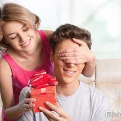 モデルプレス - 彼も惚れ直しちゃう!記念日に贈りたいプチプレゼント集