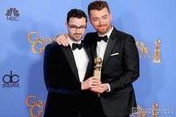 サム・スミス「人生を変えてくれた」初の「ゴールデン・グローブ賞」受賞