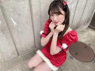 "NMB48吉田朱里の""肌見せ""サンタコスに反響「肌綺麗」「美しい」"