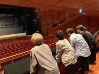 "CUBERS、ワンマン会場の""東京国際フォーラム""を下見&密着動画を公開"
