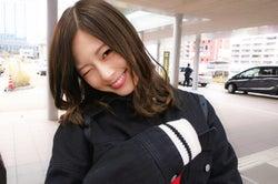 テンション高めの白石麻衣のオフショット(撮影/若月佑美)(提供写真)