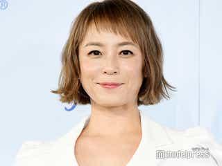 佐藤仁美、結婚報道質問に笑顔 誕生日の予定に言及
