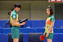 内気な高校生・佐々木優馬(佐野勇斗)は主婦・吉岡弥生(広末涼子)とペアを組む(C)2017『ミックス。』製作委員会