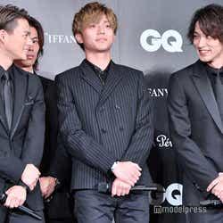 映画「honey」で共演の平野紫耀(左)と横浜流星(右)が再会 気を利かせて少し後ろに身を引く永瀬廉(中央)(C)モデルプレス
