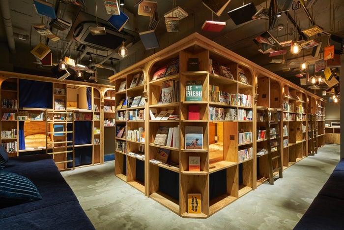泊まれる本屋「BOOK AND BED TOKYO」5号店が東京・新宿に来春誕生(C)R-STORE2017