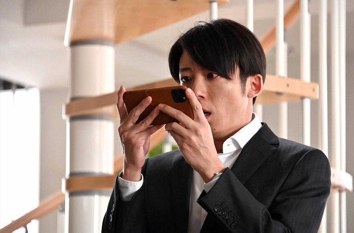高橋一生「天国と地獄 ~サイコな2人~」第3話より(C)TBS
