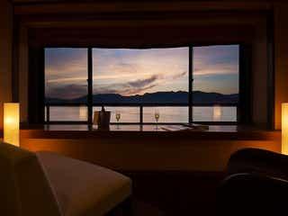世界遺産・宮島で絶景を独り占め。半露天温泉付客室から瀬戸内海を望む大人の贅沢旅