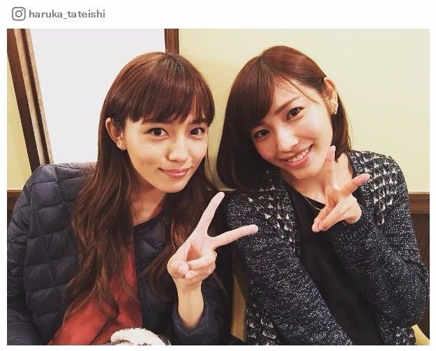 (左から)5年ぶりに共演する川口春奈、立石晴香/立石晴香Instagramより