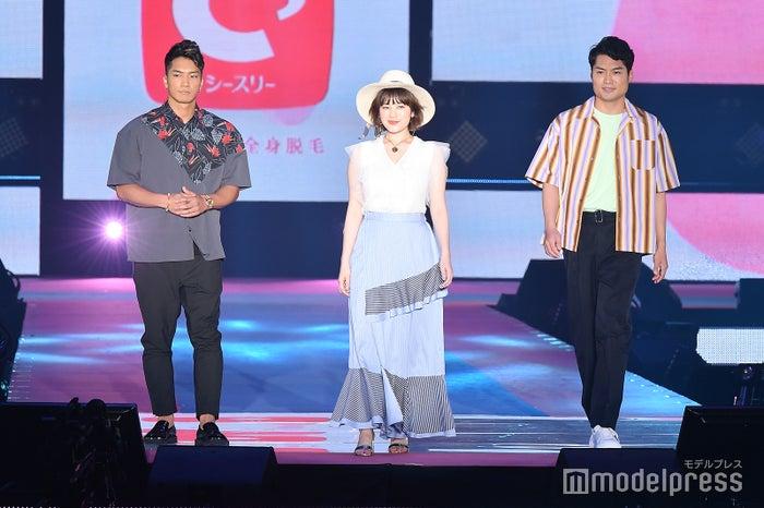 (左から)SWAY、筧美和子、八木将康(C)モデルプレス