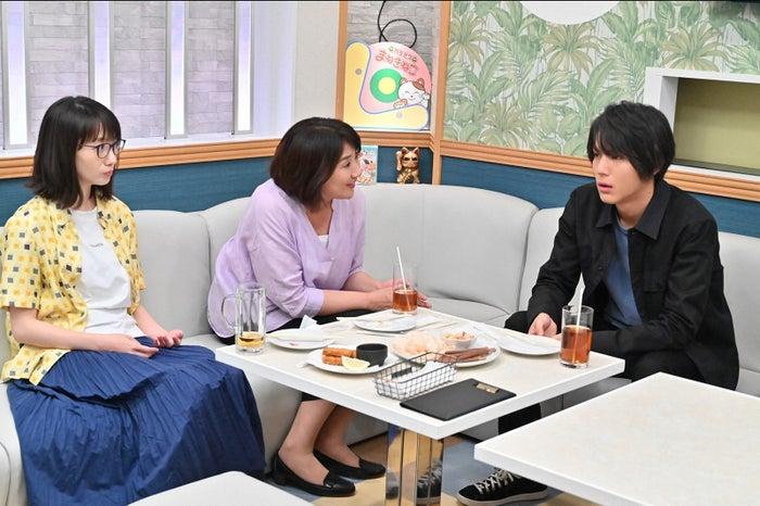 波瑠、松下由樹、中川大志/「G線上のあなたと私」第1話より(C)TBS