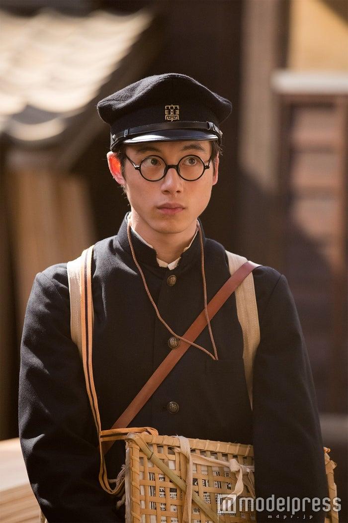 坂口健太郎(C)NHK