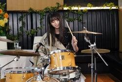乃木坂46齋藤飛鳥「ぐるナイ」ゴチ初参戦で大胆オーダー ドラムセッションも披露