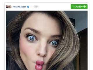 ミランダ・カー、変顔「#fishface」セルフィーにハマる?