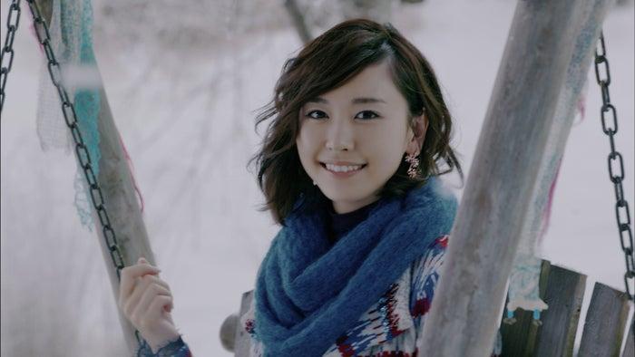 2013年「雪原とブランコ」篇/新垣結衣(提供写真)