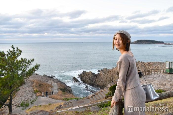 ダイナミックな風景が広がる東尋坊。大自然のパワーが満ち、なんだか爽快な気分!(C)モデルプレス