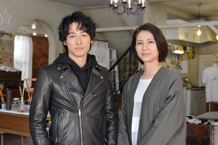 松下奈緒(右)、ディーン・フジオカ(左)の亡き恋人役に(C)日本テレビ