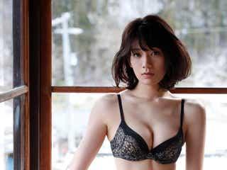"""""""くびれ女王""""佐藤美希、SEXYランジェリーで美ボディ解放"""