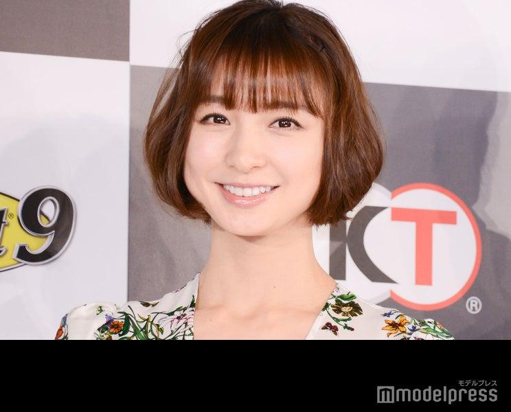 篠田麻里子、愛娘との2ショット公開「ママの顔」「癒やされる」と反響