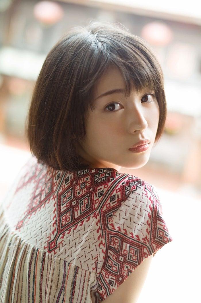 『浜辺美波写真集voyage』より(写真提供:KADOKAWA)