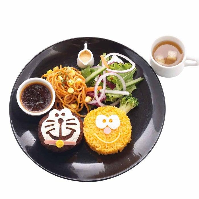 ドラコロハンバーグプレート1,600円(税込)(C)Fujiko-Pro