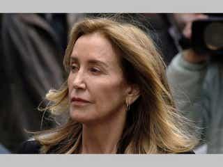 裏口入学問題で禁錮刑となった『デス妻』フェリシティ・ハフマン、声明を発表