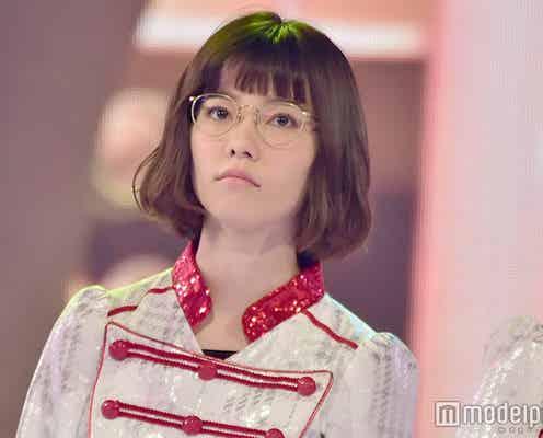 AKB48島崎遥香、貴重なメガネ姿でリハ<紅白リハ3日目>
