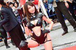 """モデルプレス - """"日本一エロいグラドル""""森咲智美、美ボディあらわなセクシー""""GANTS""""スーツで「沖縄国際映画祭」レッドカーペット降臨"""