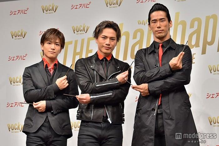 (左から)岩田剛典、登坂広臣、小林直己(C)モデルプレス