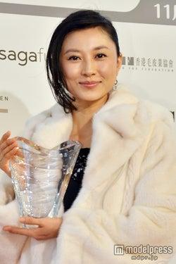 「第9回ファー・オブ・ザ・イヤー」授賞式に出席した菊川怜