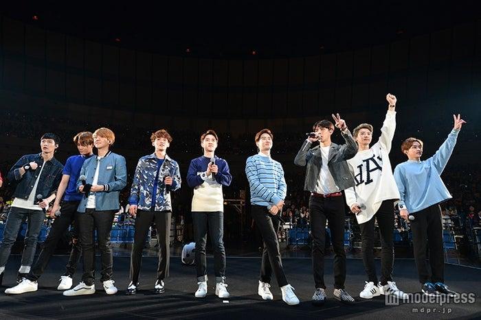EXO(左から)レイ、カイ、ベクヒョン、チェン、ディオ、スホ、セフン、チャンヨル、シウミン