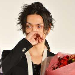 モデルプレス - 水嶋ヒロ、サプライズに号泣「自分が地球上で一番幸せな人」