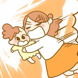 2歳児を抱っこしたまま転倒!「娘だけは守る」決死の母にまさかのダメ出し【ふたごむすめっこ×すえむすめっこ】