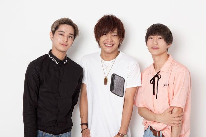 「CandyDoll部」を応援していくイケメンズ(左から)バトシン、時人、志村禎雄