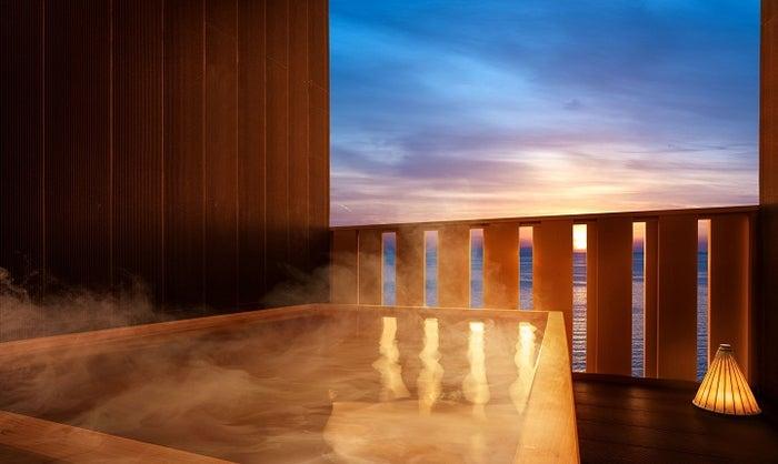 星野リゾート 界 別府/「柿渋の間」特別室の露天風呂/画像提供:星野リゾート