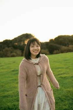 モデルプレス - けやき坂46渡邉美穂、1st写真集「陽だまり」重版決定 ウェブ未公開カット公開