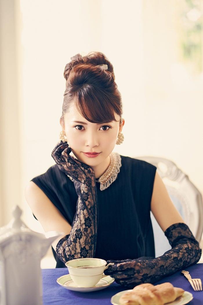 加藤史帆/雑誌「bis」11月号(写真提供:光文社)