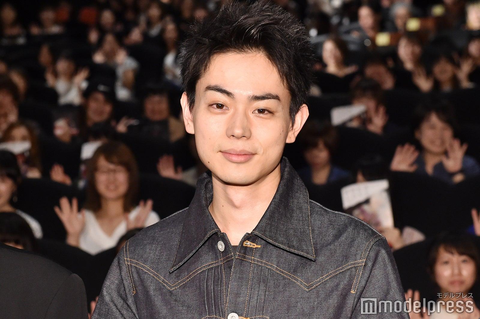 菅田将暉、黒髪短髪にイメチェン話題「新鮮」「可愛くなってる