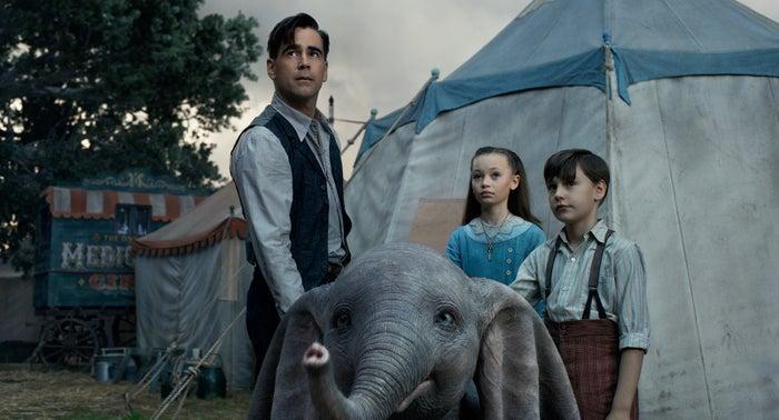 (左から)ホルト、ミリー、ジョー(C)2019 Disney Enterprises, Inc. All Rights Reserved