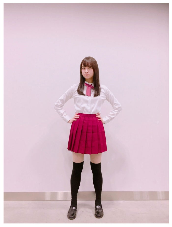 ポーズを真似された鈴木絢音/鈴木絢音オフィシャルブログより